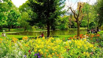 French garden Esplanade de Charles de Gaulle in Montpellier