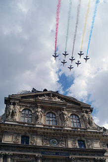Patrouille de France over the Louvre on VE Day